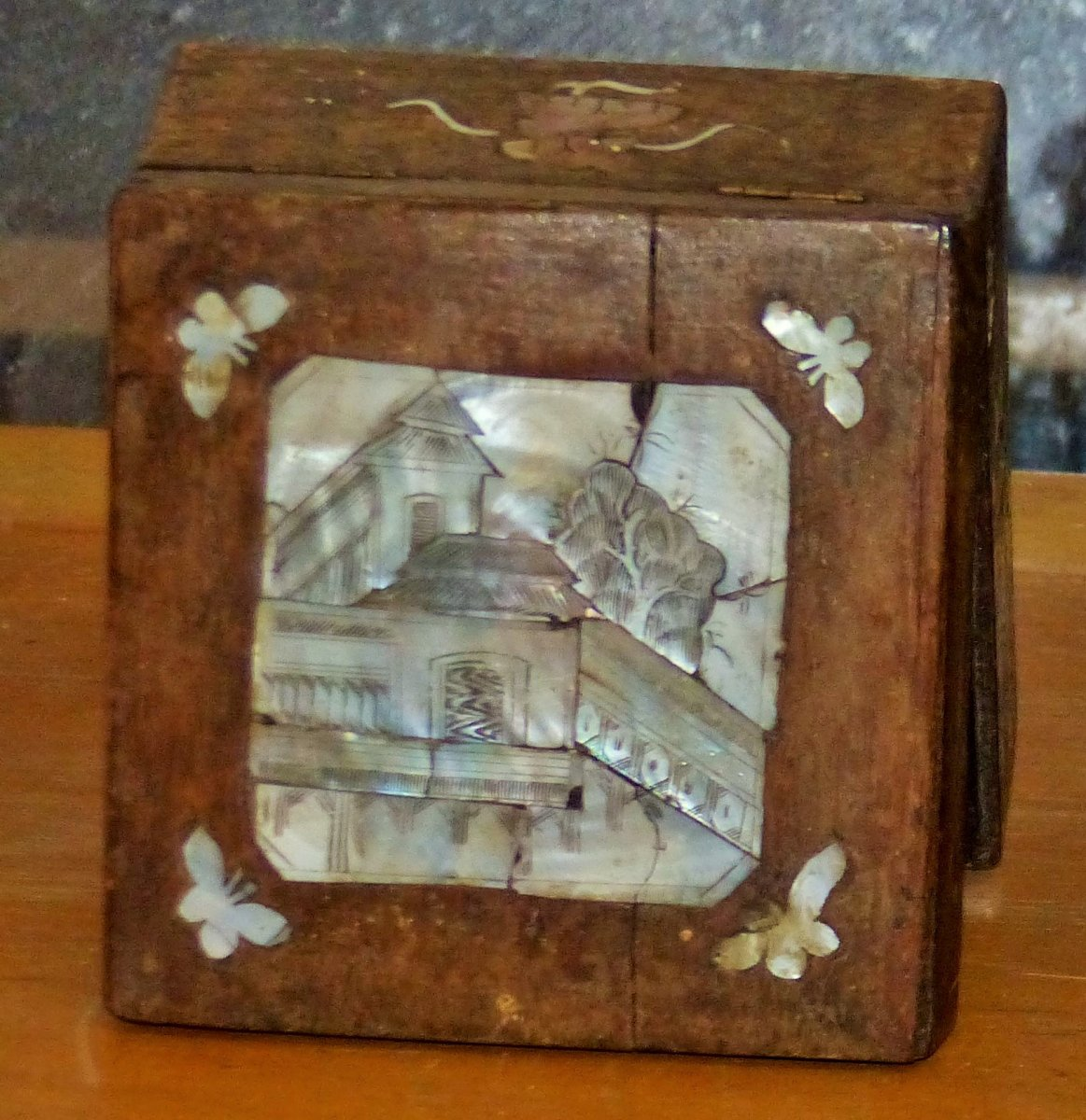 XIXth Jewelry Box In Mother Of Pearl Burgautée On 5 Faces Napoleon 3 Asia