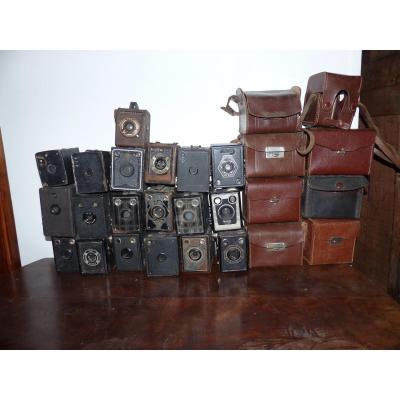 Circa 1930 Epoque Art Deco Lot De 19  Appareil Photo Brownie Kodak Gap Lumibox ....