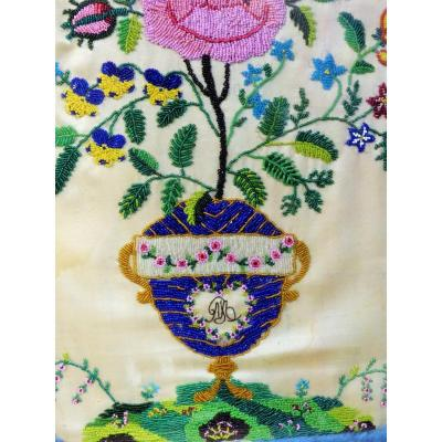 milieu xix eme  Tableau Perlé Dit Sablé Au Vase Fleuri a la rose monogramme Epoque Charles X Louis Philippe