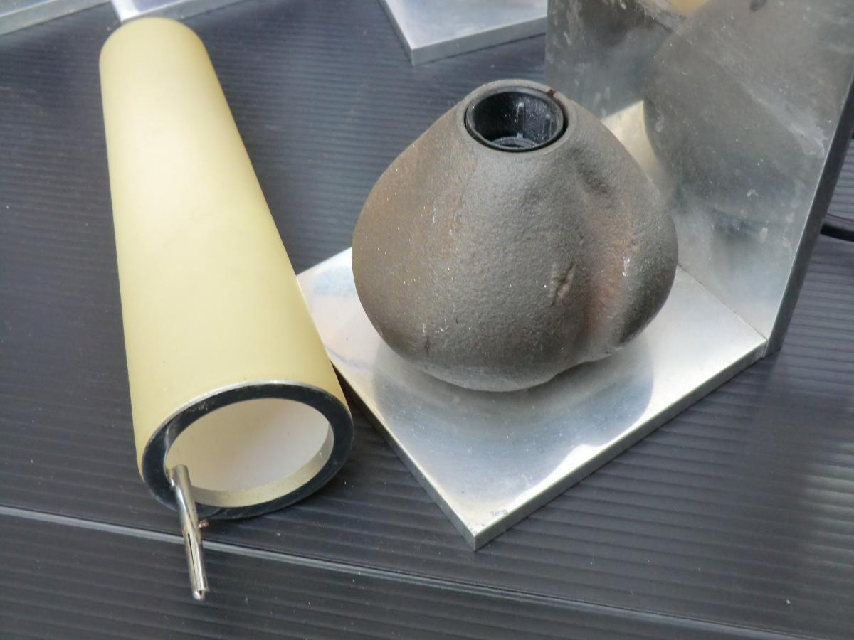 Serie De 9 Appliques Moderniste Fonte d'Aluminium Et Fer 1970 -photo-4