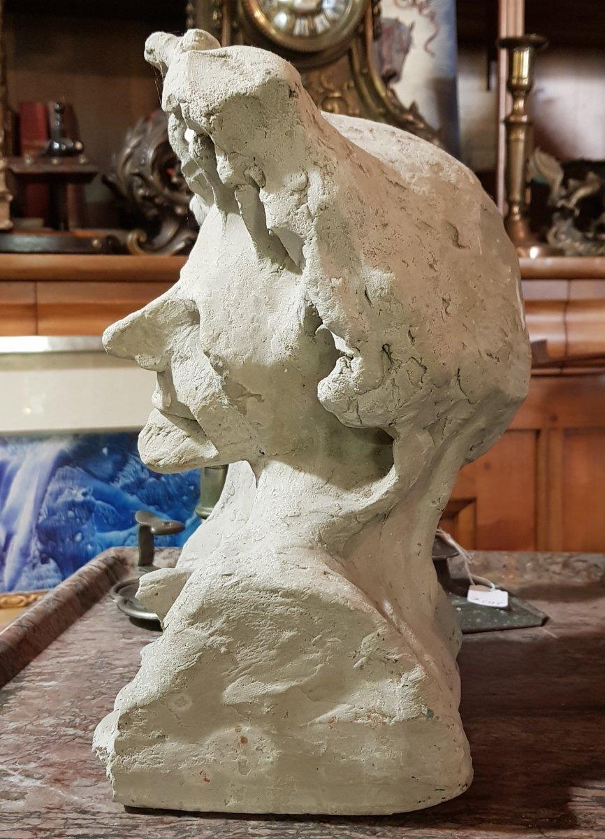 Sculpture En Terre Représentant La Mort Allegorie Ou Mémento Mori-photo-3
