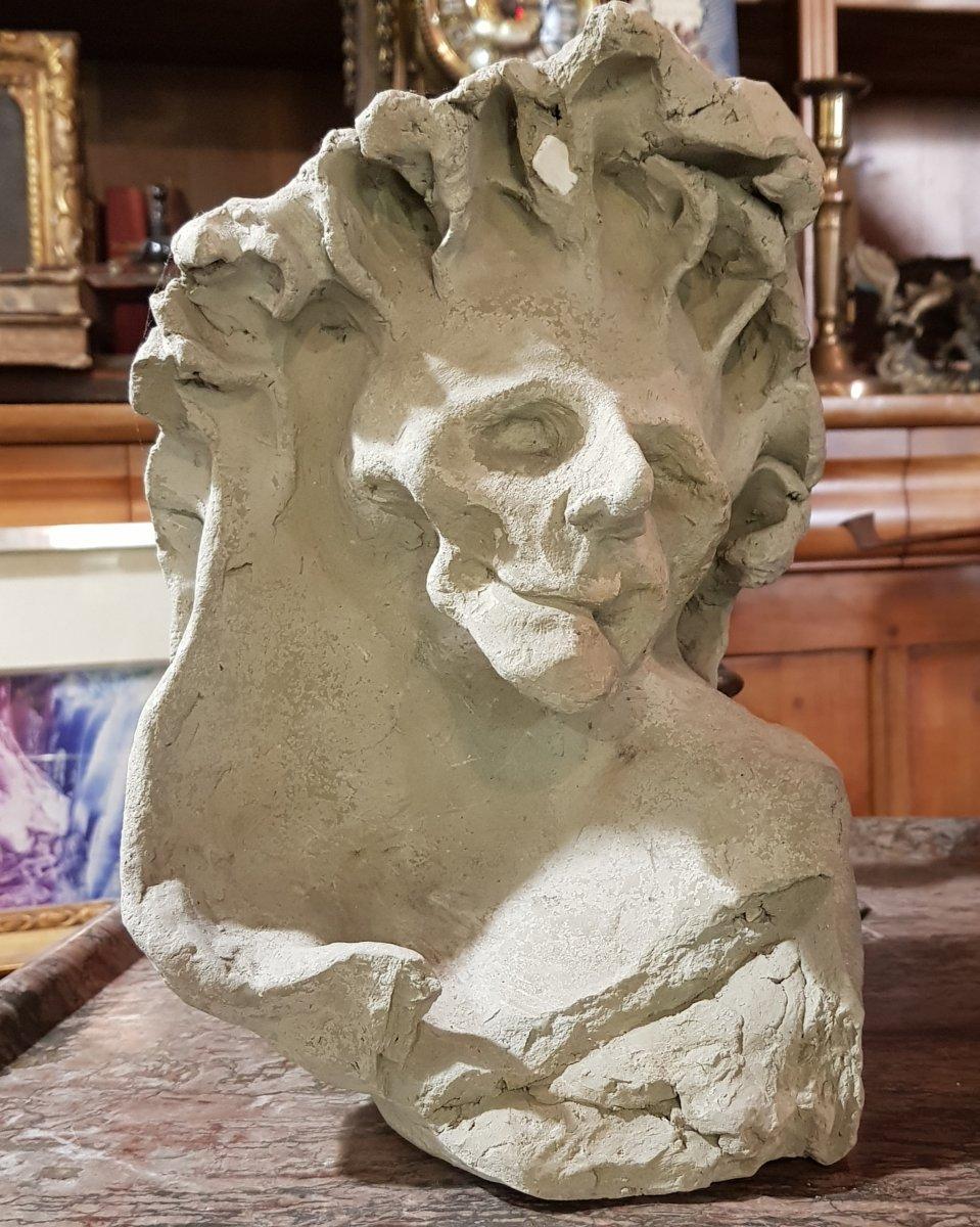 Sculpture En Terre Représentant La Mort Allegorie Ou Mémento Mori