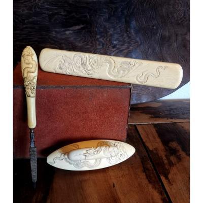 Accessoires De Toilette, Sculpture Dragons Dans Les Nuages, Incrustations Nacre Japon XIXe