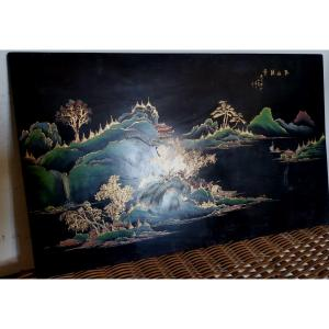 Panneau En Laque Du Vietnam, Paysage Lacustre Et Montagne XXe Siècle