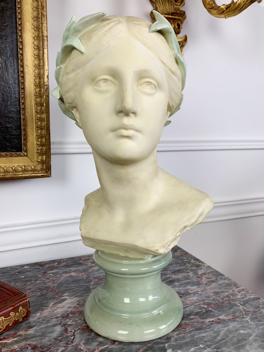 Biscuit Bust Of A Woman In The Ancient Of Wanderé Signed And Marked With The Stamp