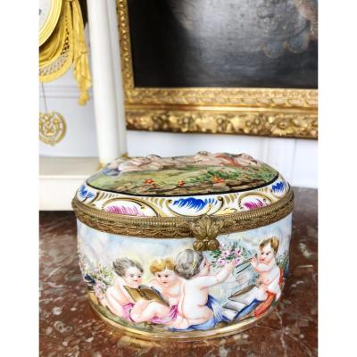 Capo Di Monte : Boîte Ou Bonbonnière En Porcelaine De La Fin Du XIXème
