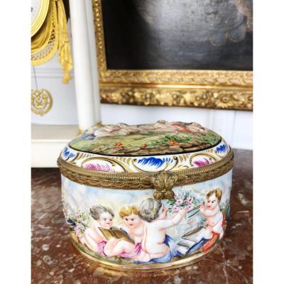 Capo Di Monte: Box Or Bonbonnière Porcelain Of The Late Nineteenth