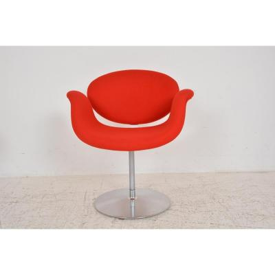 """""""Little Tulip"""" armchair by Pierre Paulin for Artifort, Swivel armchair, metal base. Original Kvadrat fabric. The armchair is in very good condition, minimal traces of use Dimensions: H77 x W69 x P60"""