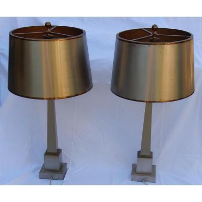 1950/70 Paire De Lampes Aux Obélisques En Laiton Et Bronze Argentées Et Dorées Signées Charles