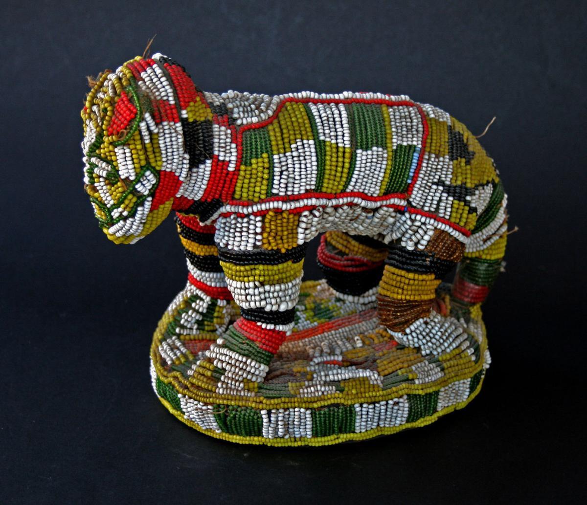 Ancien Lion Perle Africain Peuple Bamileke Cameroon