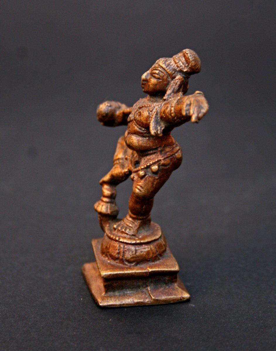 Petite Statuette Ancienne  En Bronze d'une Krishna Dansant-photo-2