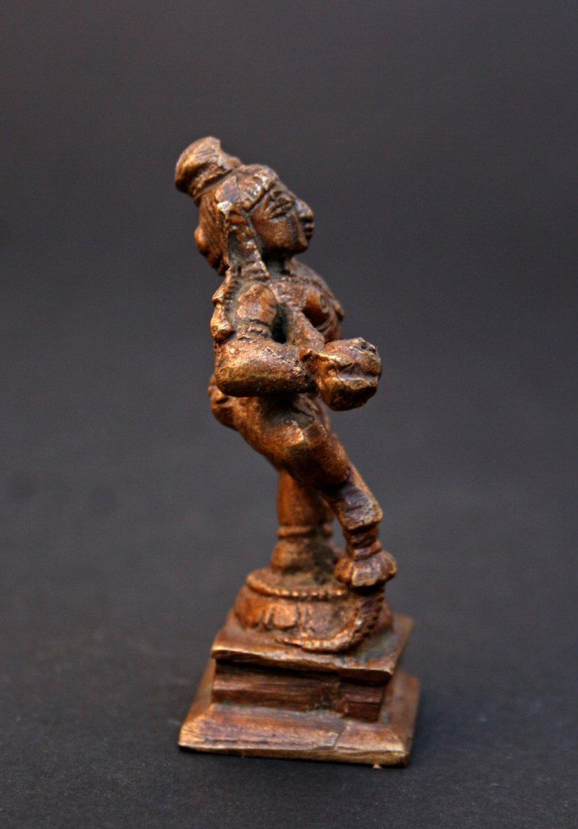 Petite Statuette Ancienne  En Bronze d'une Krishna Dansant-photo-4