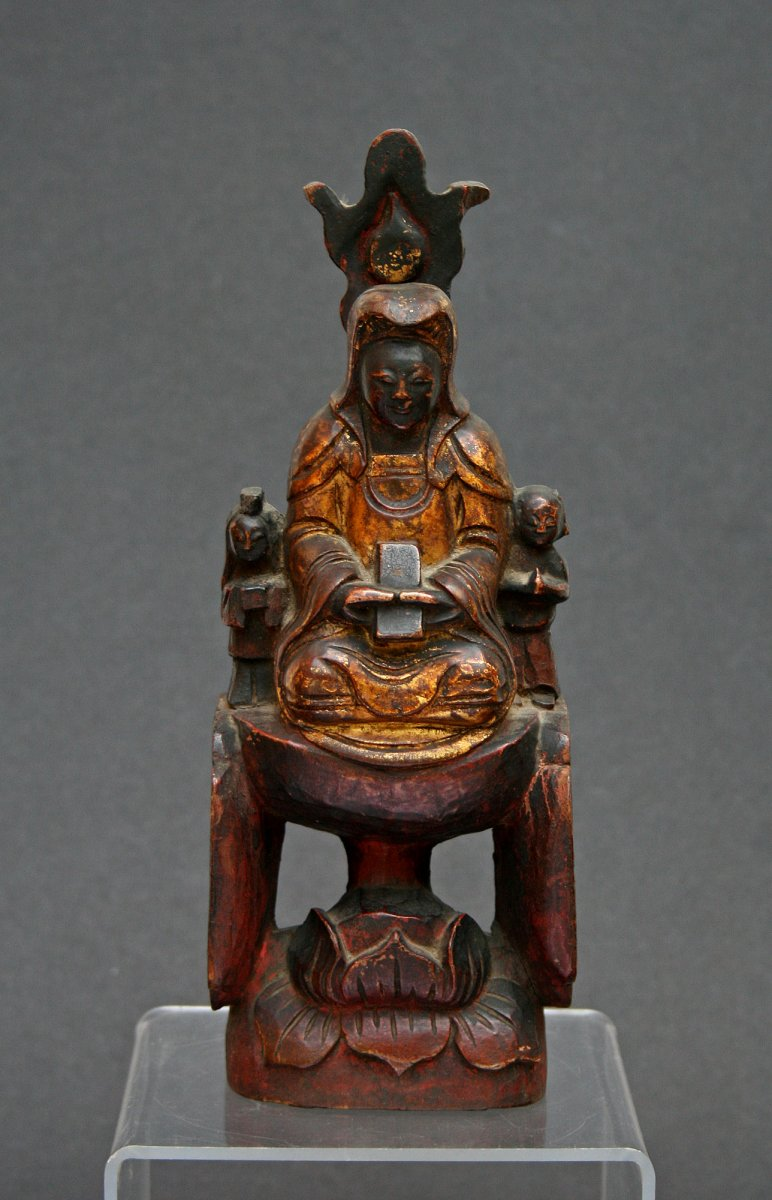 Antique Chinese Guanyin Carved Gilded Wood Lotus Throne Buddhist Goddess Mercy