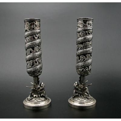 Paire Bougeoirs en Argent Massif d'Export Chinois Dragons Poinçon Whooshing Shanghai