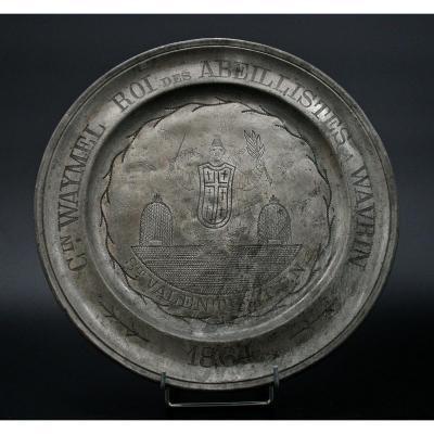 Grand Plat En Etain (étain) Grave Cadeau Apiculteur Roi Des Abellists  Abeille