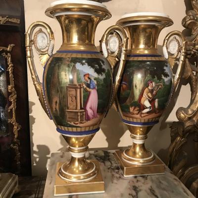 Paire De Vases En Porcelaine Vieux Paris