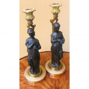 Paire De Bougeoirs Bronze, Jeunes Femmes à l'Antique