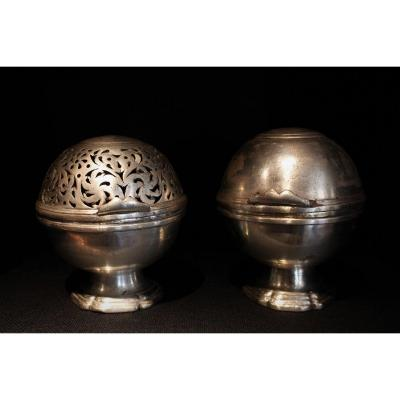 Louis XV Soap And Sponge Balls