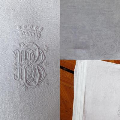 6 Large Damask And Embroidered Linen Towels With Armored Coat Of Arms
