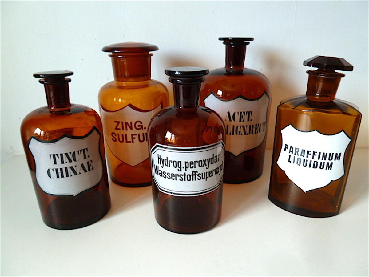 Lot De 4 Bouteilles Et 1 Pot Pharmacie Verre Couleur Ambre ÉmaillÉ XIX