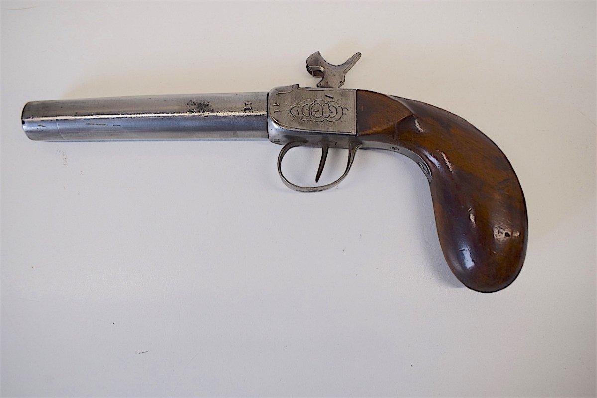 Pistolet à Coffre Canon à Vis Calibre 11 Mm Monogramme XIX ème