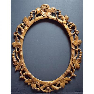 Golden Provencal  Oval Frame Grape Vine Leaves 46 X 37 Cm Frame XIX Ref C952