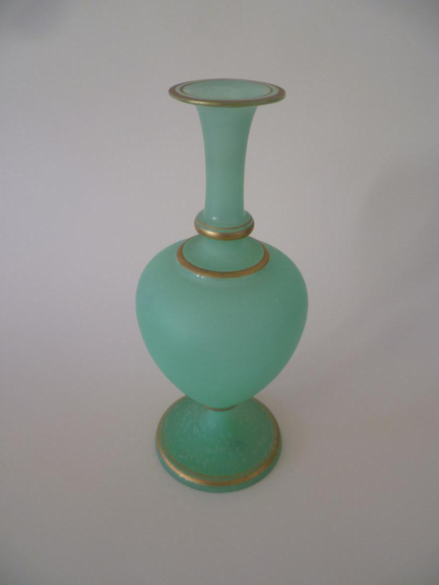 Solifleur Vase In Green Opaline Time Mi-nineteenth
