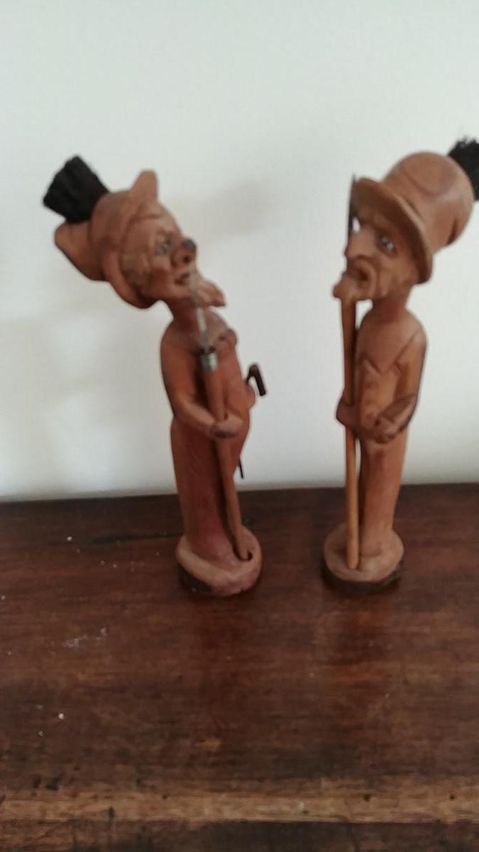 Art Populaire - Deux Personnages En Bois Sculpté