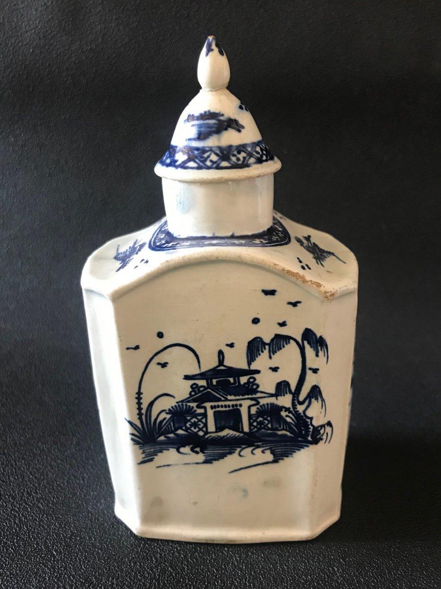 Fine Earthenware Tea Box