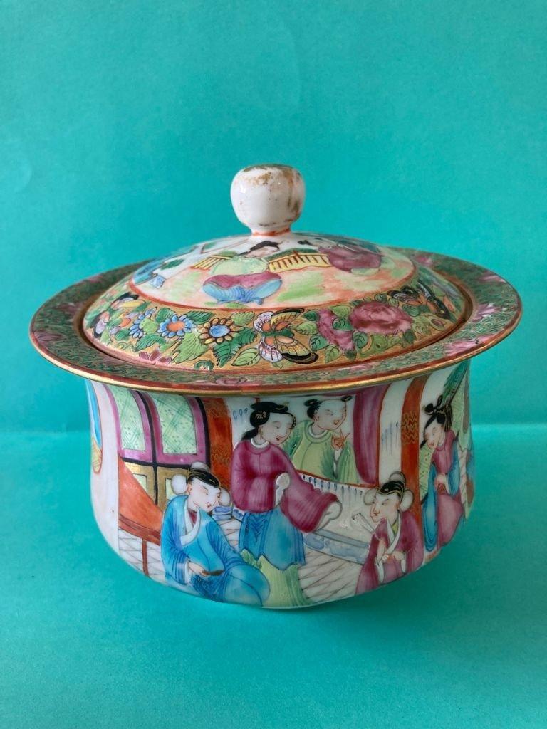 Chine Canton - Sucrier En Porcelaine