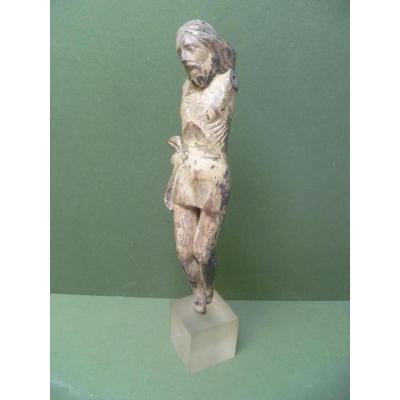 Christ en bois sculpté Epoque XVIIe Siècle