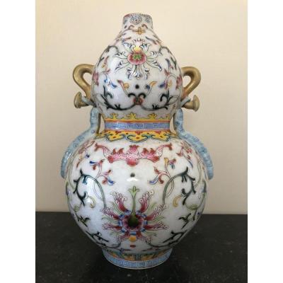 Vase gourde en porcelaine de Chine