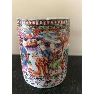 Chine - Chope en porcelaine au mandarin
