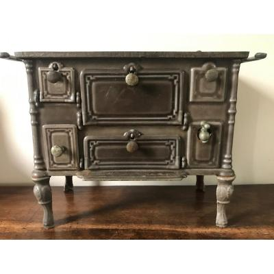 Cast Iron Doll Stove