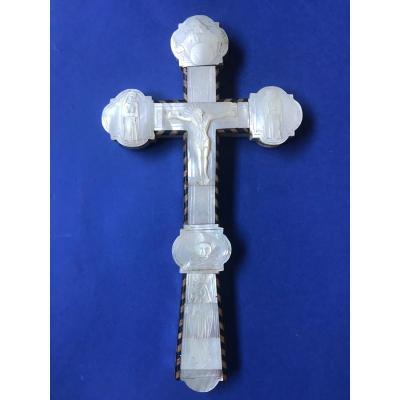 Croix en incrustation de nacre Italie XVII/XVIIIe