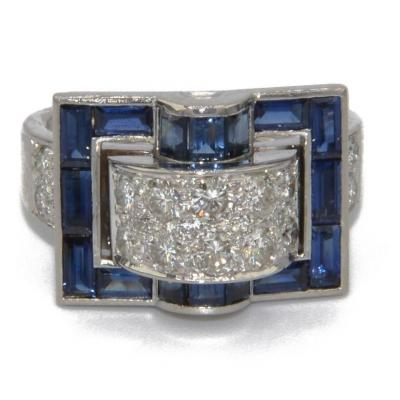 Ring In Platinum And Calibrated Blue Sapphires