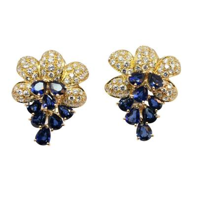 Pair Of Yellow Gold Sapphires And Diamonds Earrings
