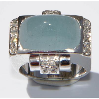 Platinum Ring Adorned With An Aquamarine Cabochon