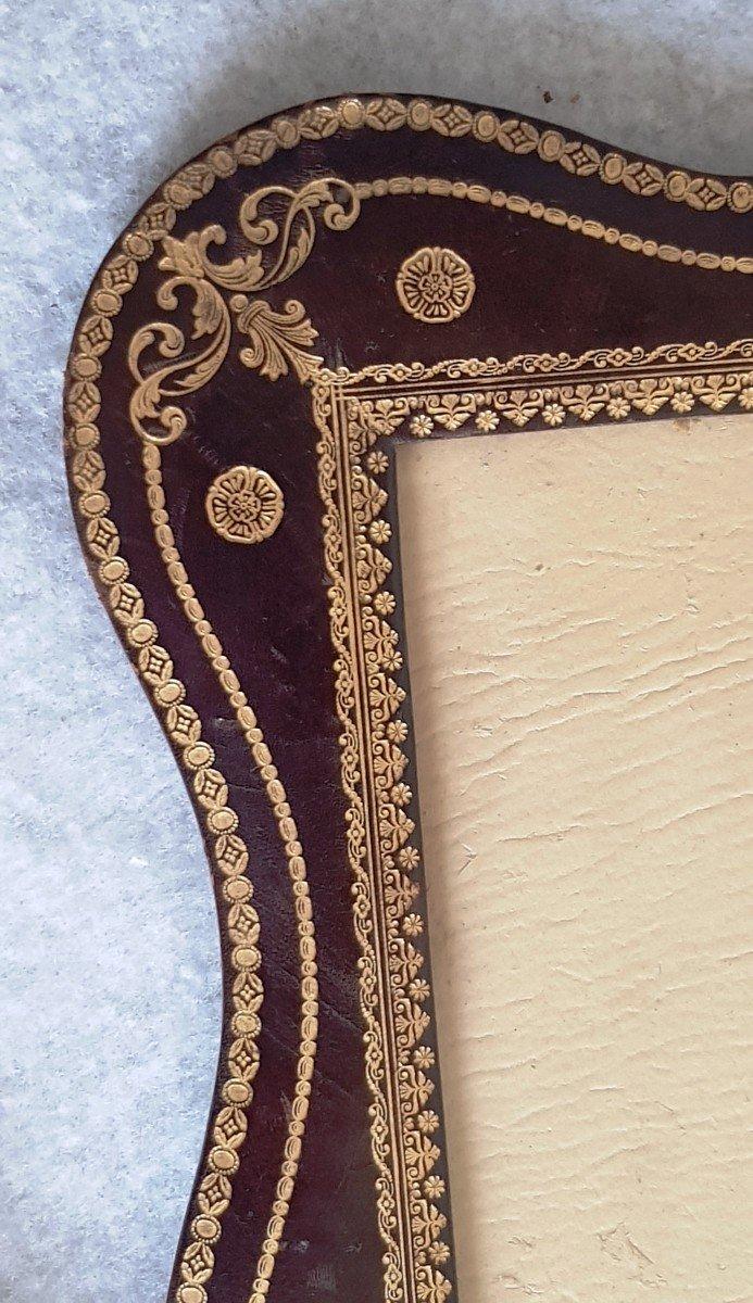 Large Leather Frame Gold Frieze-photo-3