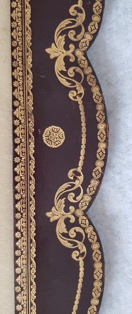 Large Leather Frame Gold Frieze-photo-4