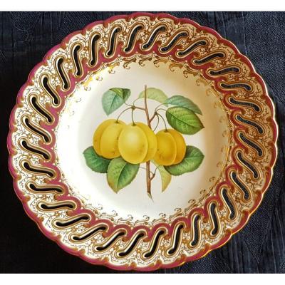 Assiette Anglaise XIX S Porcelaine Ajourée Et Peinte à La Main Décor De Fruits