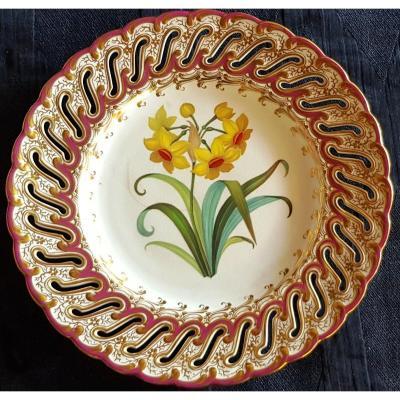 Assiette Anglaise XIX S Faience Ajourée Et Peinte à La Main Fleur De Narcisse