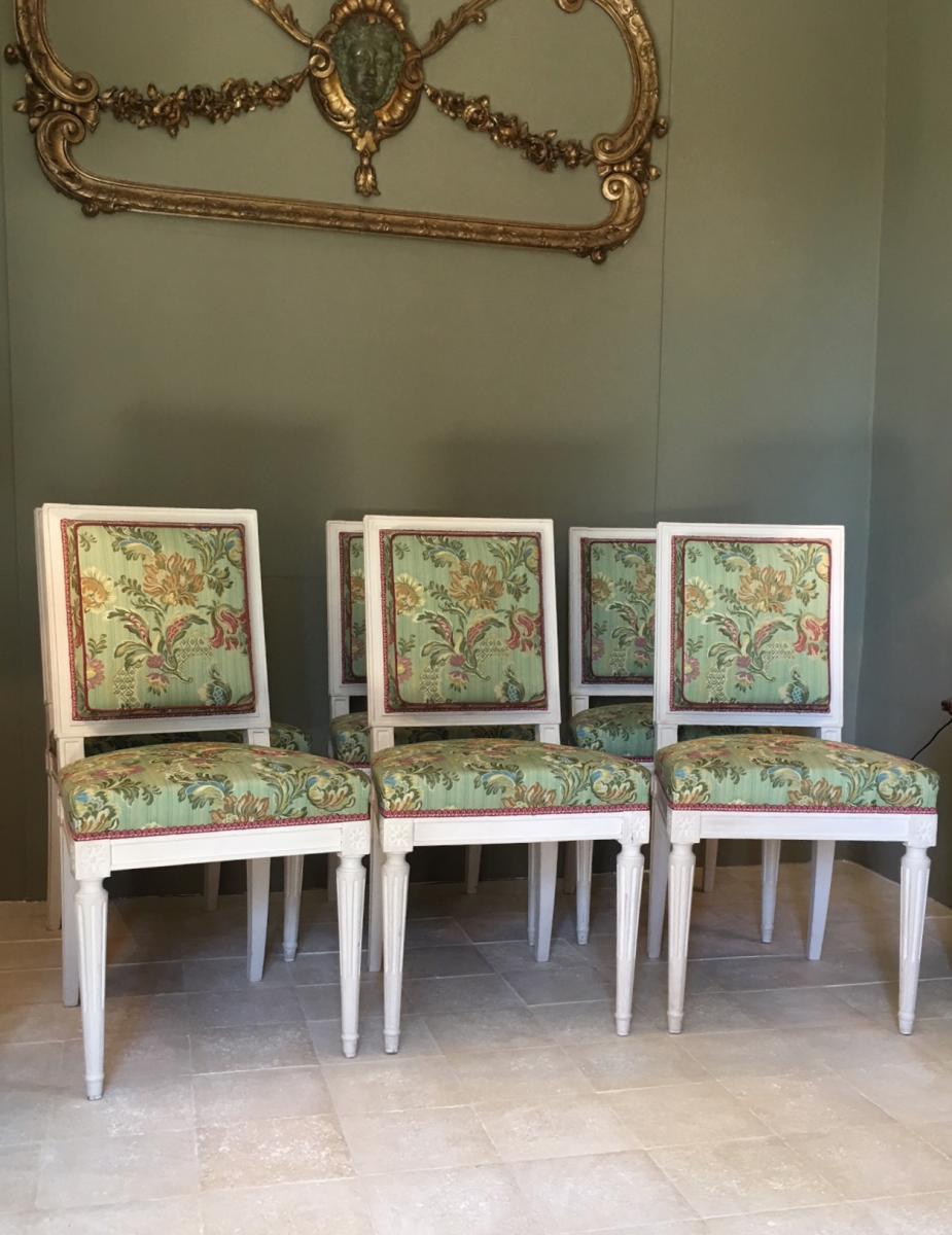 Suite De Six Chaises Louis XVI Relaquées Crème.