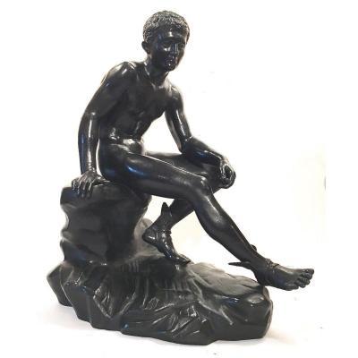 Sculpture En Bronze Patiné Représentant Mercure Au Repos. XIXe Siècle.