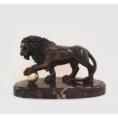 Sculpture En Bronze Patiné Représentant Le Lion Des Médicis. Italie, Fin Du XIIIe Siècle.