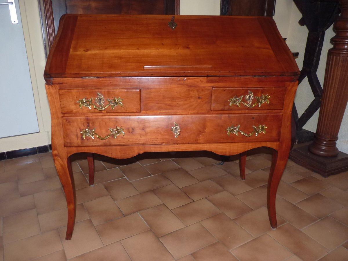 Beau bureau De Pente époque Louis XV