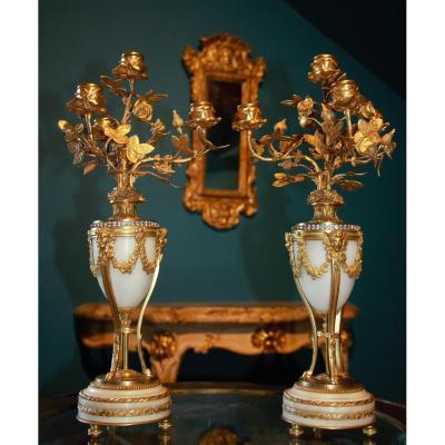 Paire de Candélabres en Cassolette XIXe. Style Louis XVI.