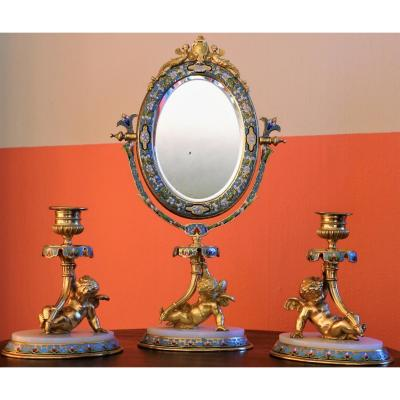 Garniture De Toilette XIXe. Emaux cloisonnés, onyx et bronze.