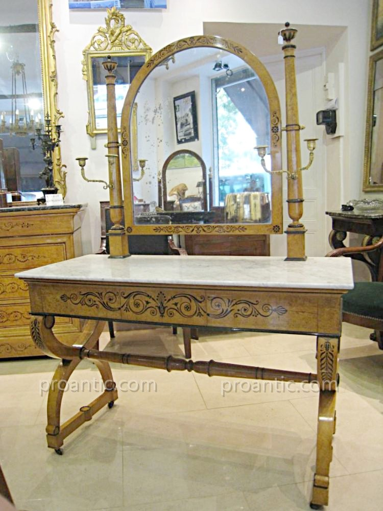 Importante Table Coiffeuse Epoque Charles X