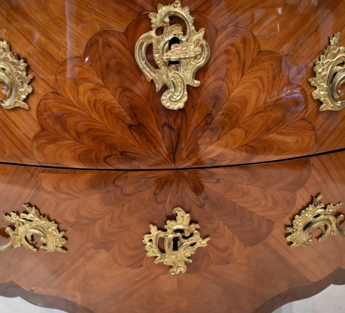 Commode Sauteuse Estampillée P. Roussel Epoque Louis XV XVIII ème-photo-1